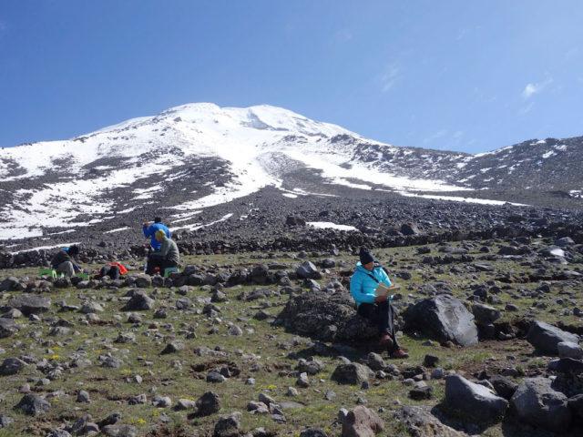 climb Ararat in 3 days